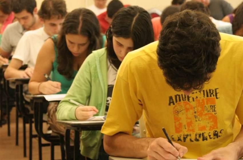 Tema da redação do Enem 2017: Desafios para Formação Educacional de Surdos