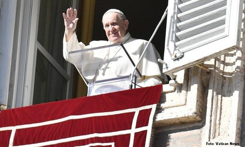 """Papa no Angelus: como Jesus, ter a coragem de """"transgredir"""" por amor"""