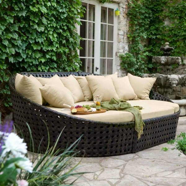 renovating your garden furniture low