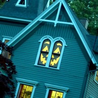 Ideas on how to decorate your windows with paper cutouts ...