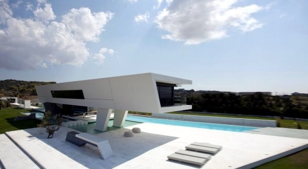 Minimalist House Design With Pure Geometric Forms Interior
