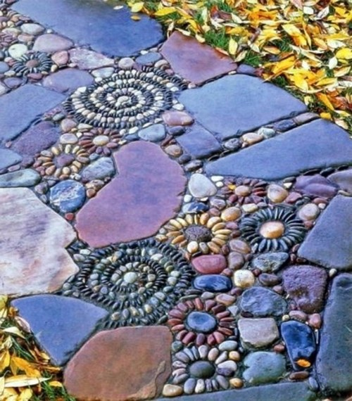 13 Beautiful Designs For Your Mosaic In The Garden Interior