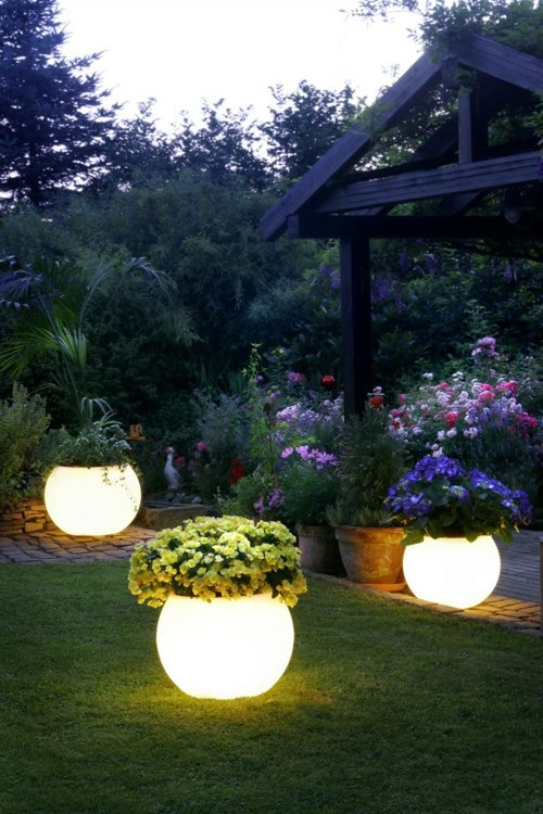 Sweet Or Acidic! 10 Great Ideas For Lighting For Garden And