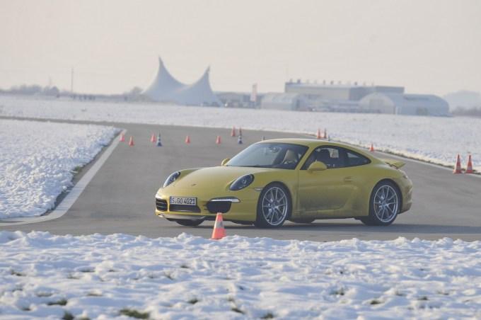 Porsche RWS: zasnovan v sodelovanju s podjetjem ZF, v kratekm (ponekod za doplačilo) na voljo tudi v drugih modelih te znamke.