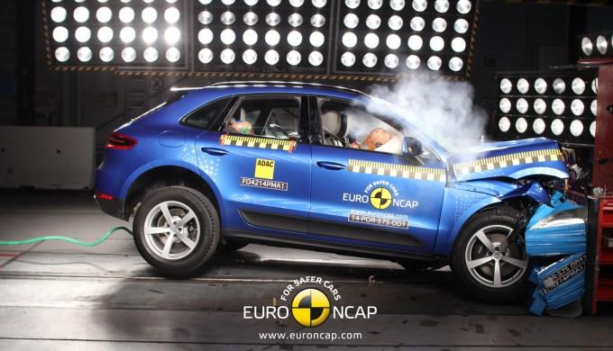 Porsche Macan: pet zvezdic, pa nekaj skromnejši rezultat kot Land Rover Discovery Sport.