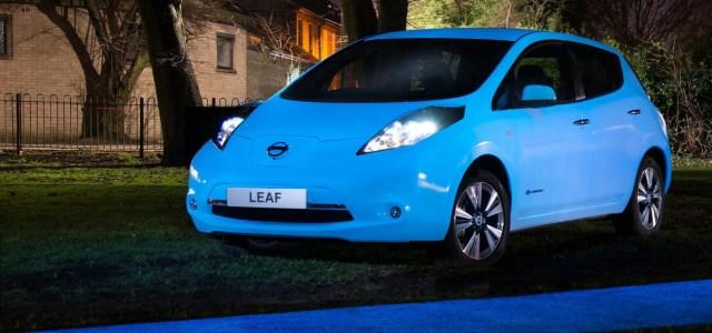 Nissan: s ponoči svetlečo barvo karoserije