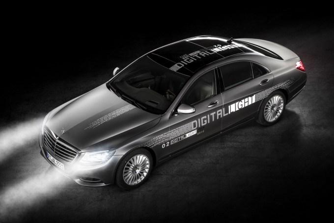 Mercedes-Benz Digital Light: napreden svetlobni sistem, ki bo zelo verjetno kmalu na voljo v razredu S.