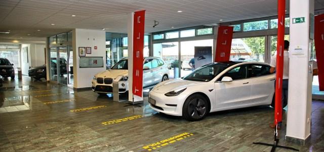 Tesla: uradno v Sloveniji