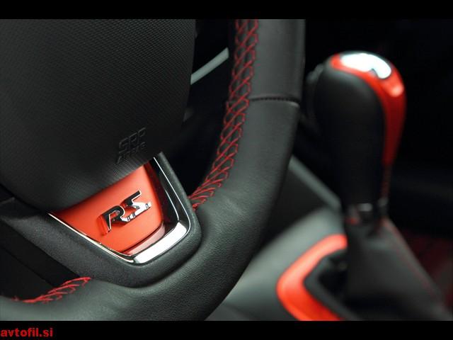Renault_Clio_RS_105