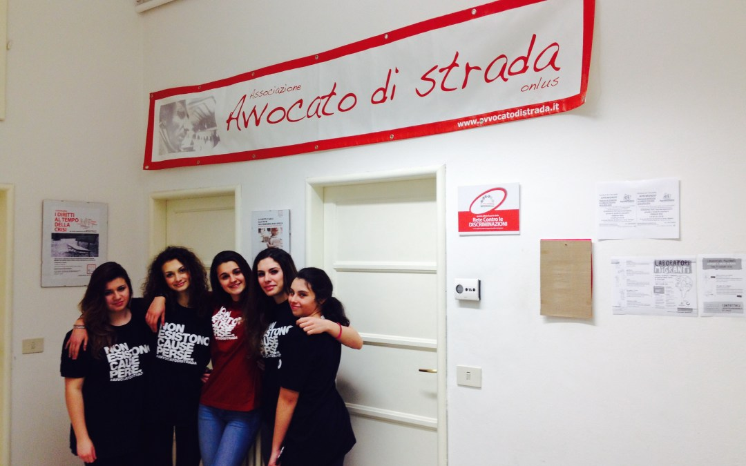 "Maya, Serena, Michela, Anastasia, Beatrice: ""#NonEsistonoCausePerse!"""
