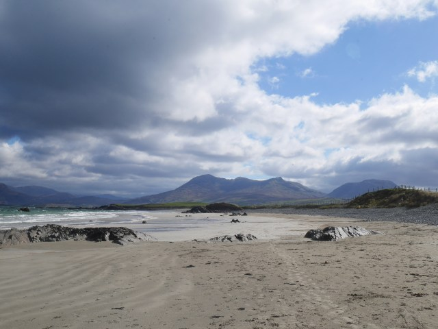 The white strand with some of the bens in the background