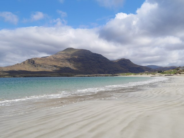 Glassilaun beach with Mweelrea in the background