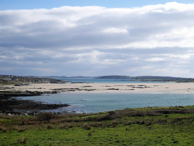 Omey Strand - you can see the water each side