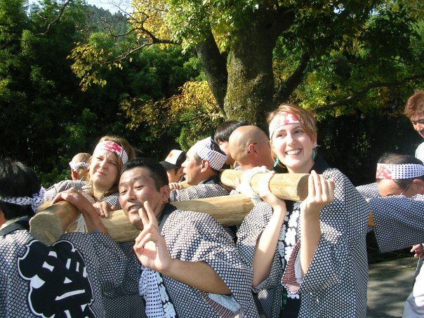 Carrying the mikoshi (poser!)