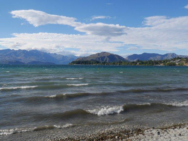 Lake Wanaka's waves