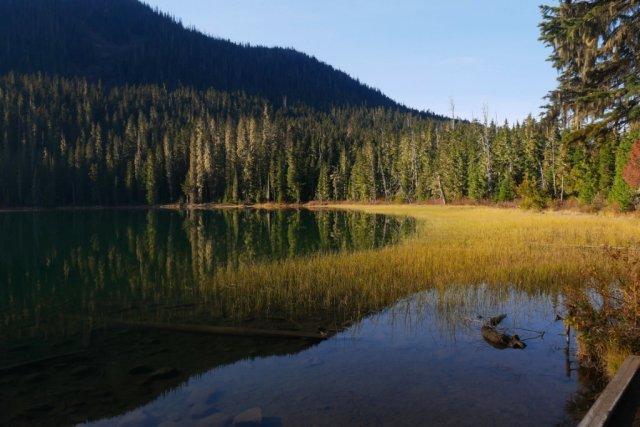 Joffre Lakes - first lake