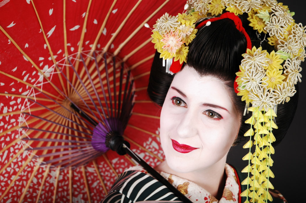 Maiko Makeover Dress Up Like A Maiko In Kyoto A Walk And A Lark