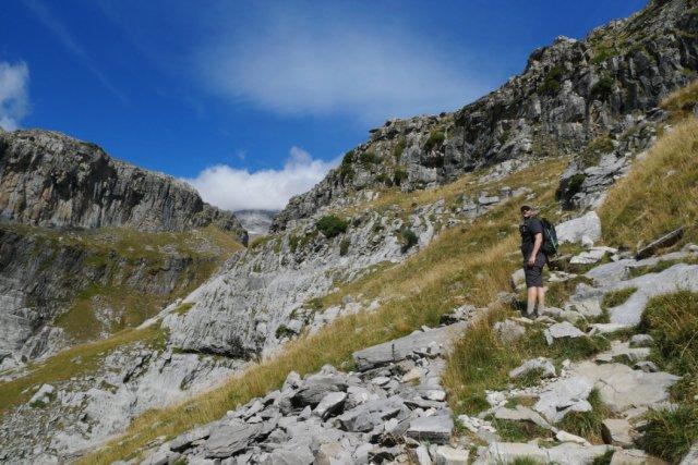 Rocky path up to Refugio Góriz