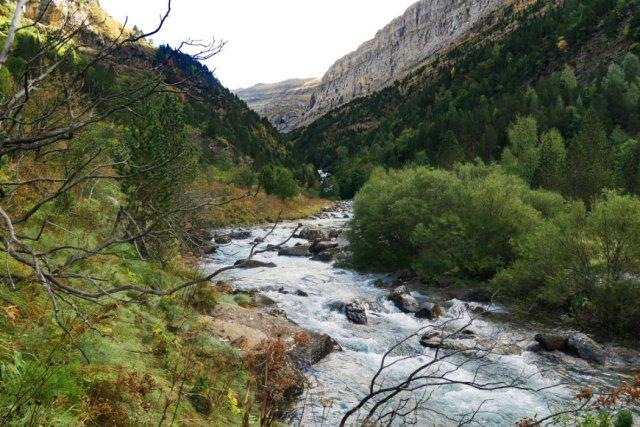 Rio Arazas towards Gradas de Soaso