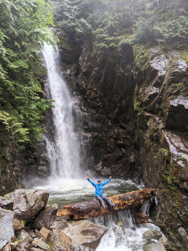 The big log under Norvan Falls