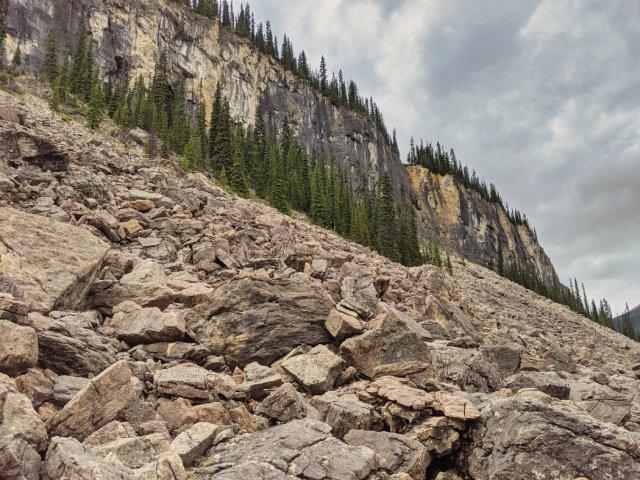Whaleback from below along the boulder field