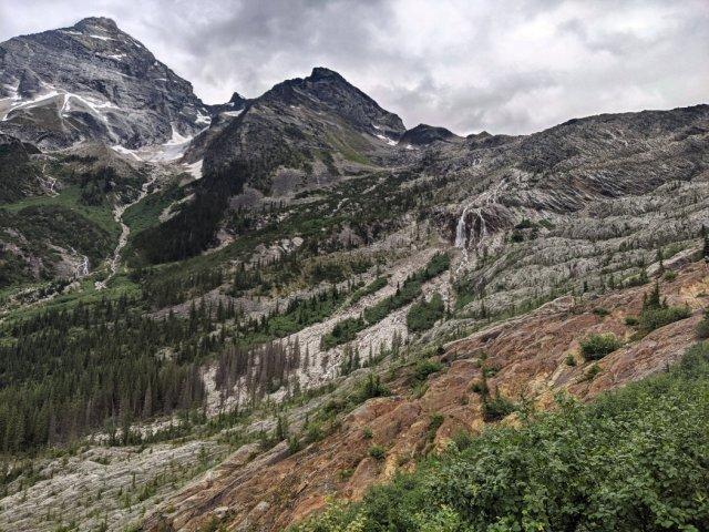 Orange rocks, mountain views and the Illecillewaet Glacier Falls - just no glacier