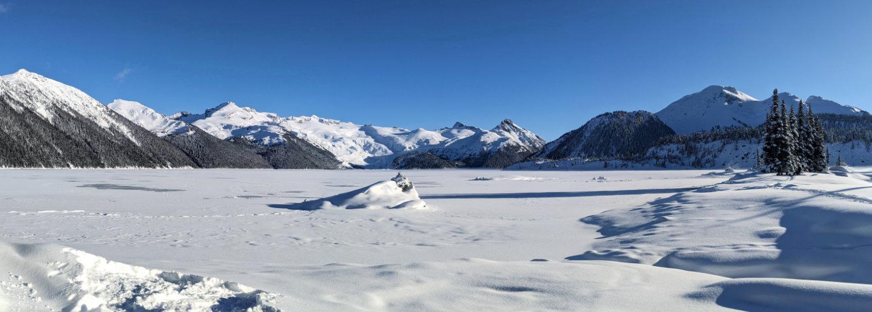 Panorama Garibaldi Lake