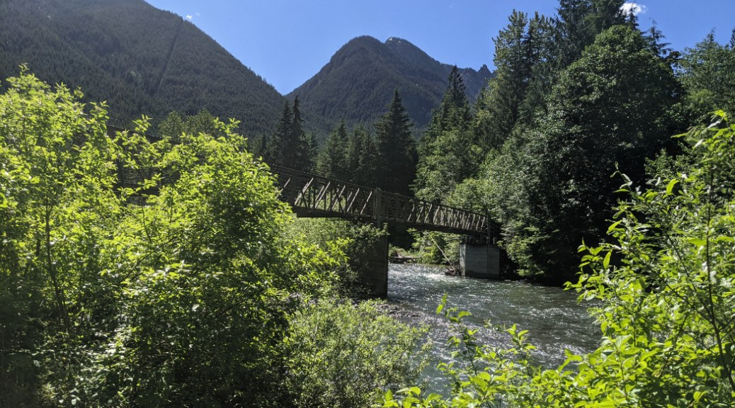 Skagit River trail in EC Manning Park