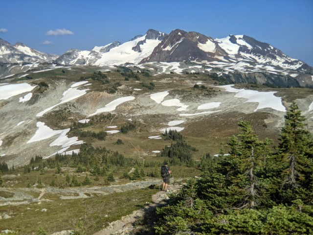 See the trail to Oboe Summit - Russet Lake is the ridge belond that
