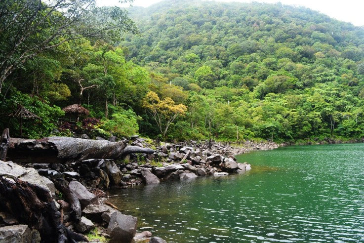 TRAVEL GUIDE TO THE TWIN LAKES DANAO AND BALINSASAYAO