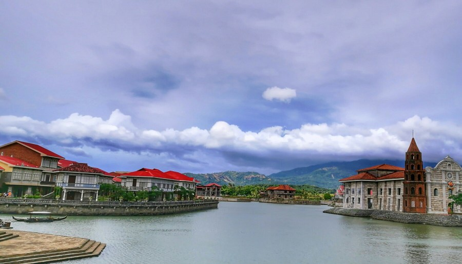 LAS CASAS FILIPINAS DE ACUZAR: DIY Day Tour Budget Travel Guide + Itinerary & Why You Need To See It At Least Once