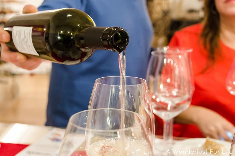 Wine Tasting in Sorrento - Wine Pouring
