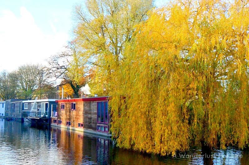 Delft houseboat