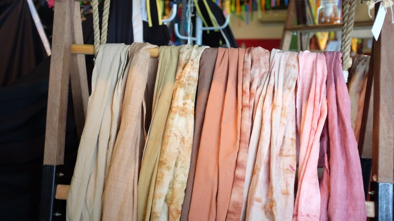 Scarves - Fashion as a souvenir to bring back from traveling