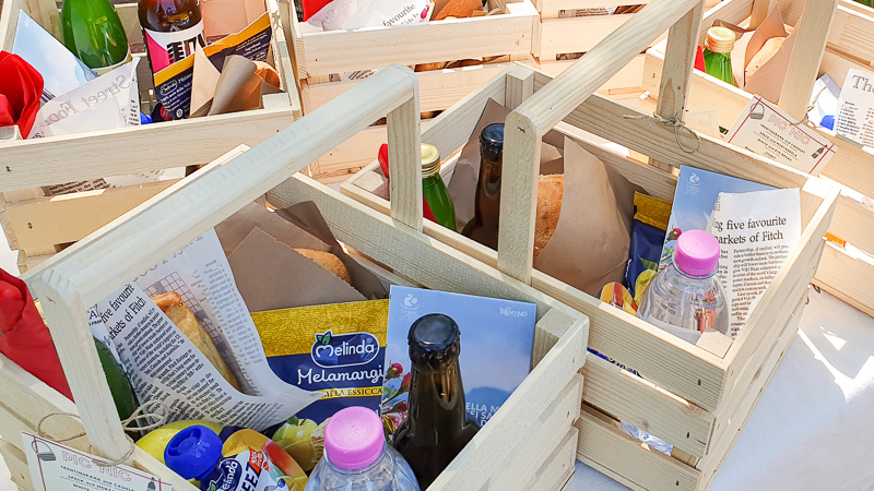 Picnic baskets with Trentino ingredients