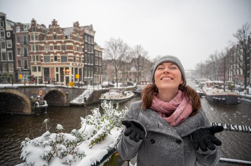 Jessica in snow in Amsterdam