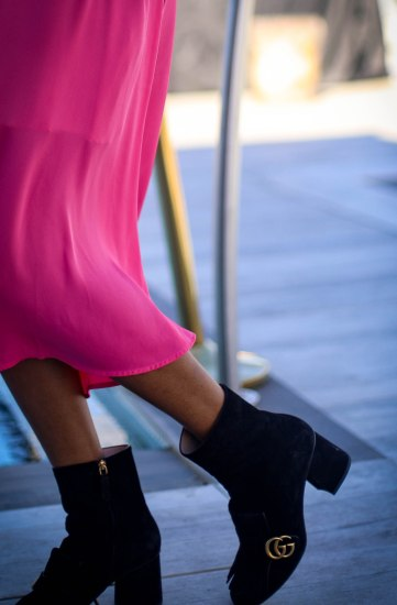 Pink midi dress by H&M worn with gucci booties and a gucci belt-28