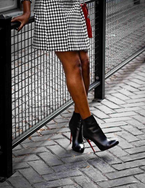 blazer dress worn with booties. Atlanta blogger wearing hondstooth blazer dress-2