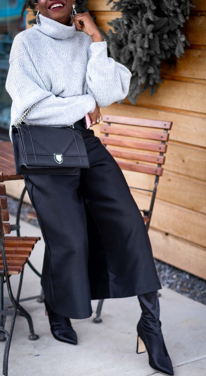H&M grey chunky sweater worn with a black culottes by Atlanta style blogger and diorama bag-15