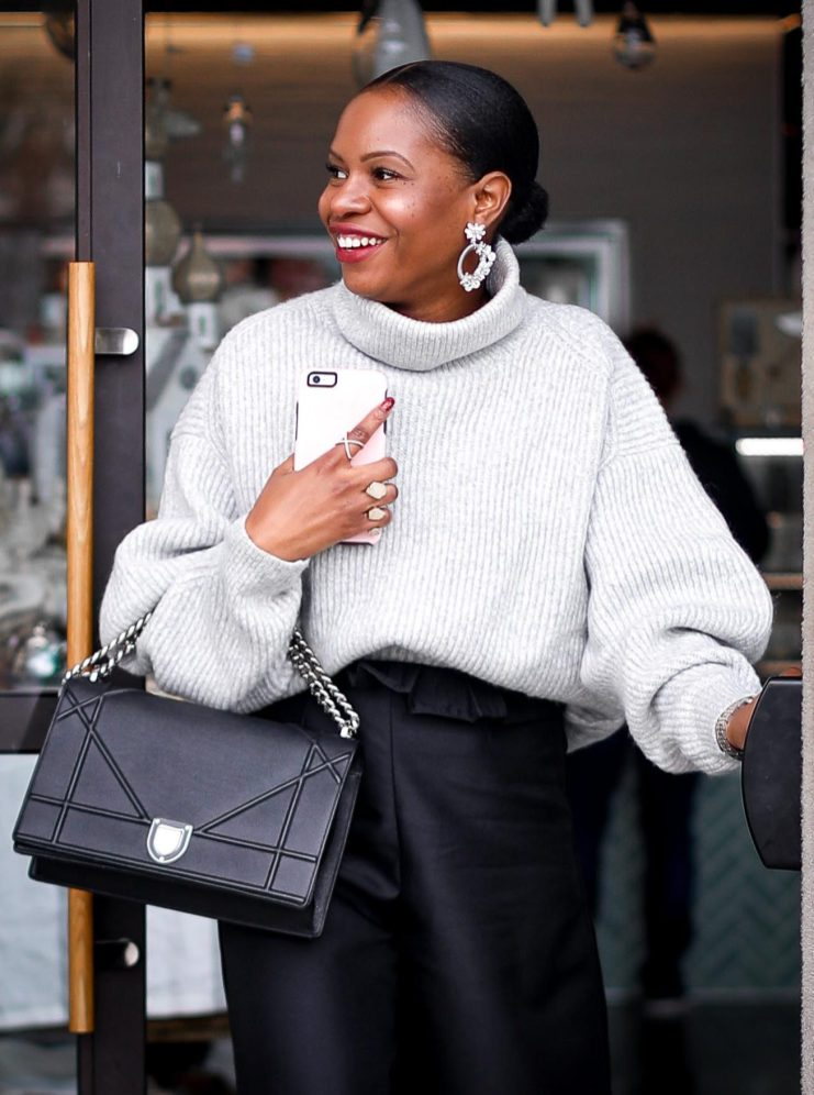 H&M grey chunky sweater worn with a black culottes by Atlanta style blogger and diorama bag-22