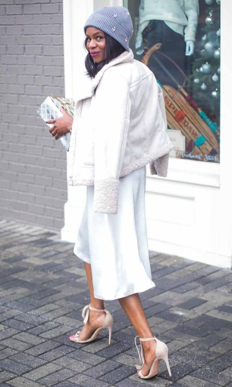 How to style an all white outfit for the winter Atlanta fashion blogger wearing white coat. Holiday outfit -5