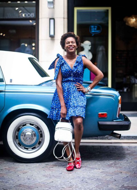 Atlanta blogger wearing Tod's Gommino Driving Shoes and Tod white bag in a Rolls Royce-2
