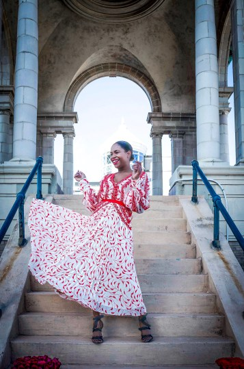 Atlanta fashion blogger Monica Awe-Etuk shows you want you need to wear for galentines day and valentines day. Monica wearing a self portrait red and pink dress and Alexandre birman sandals