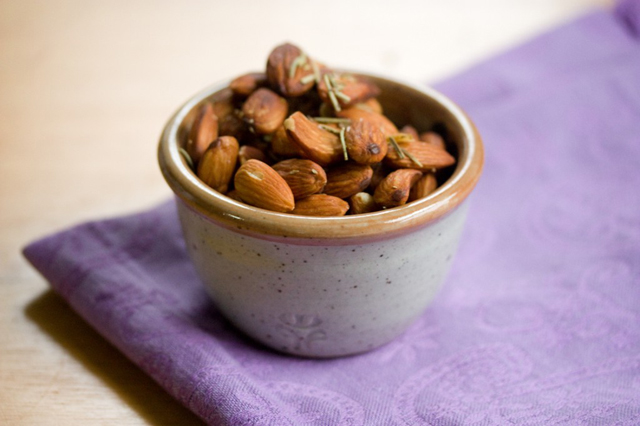 Garlic Almonds