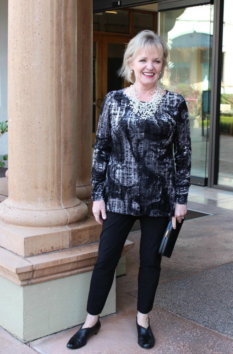 Jennifer Connolly of A Well Styled Life wearing Sno Skins Velvet Burnout Top