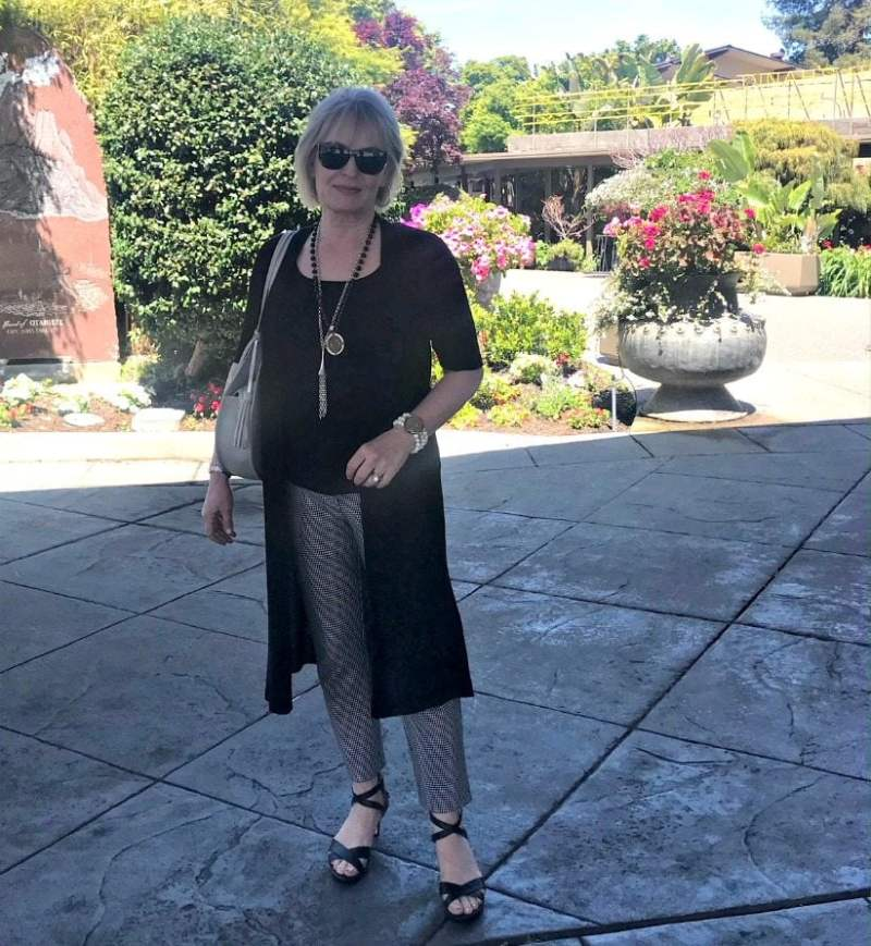 Jennifer Connolly of A Well Styled life visiting Dinah's Poolside restaurant