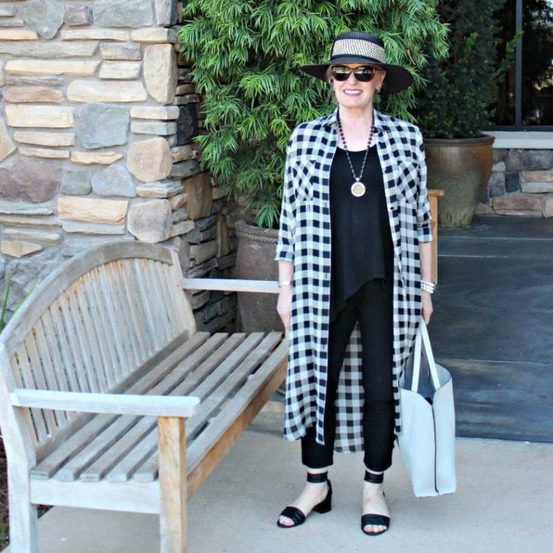 Jennifer Connolly of A Well Styled Life wearing a column of black