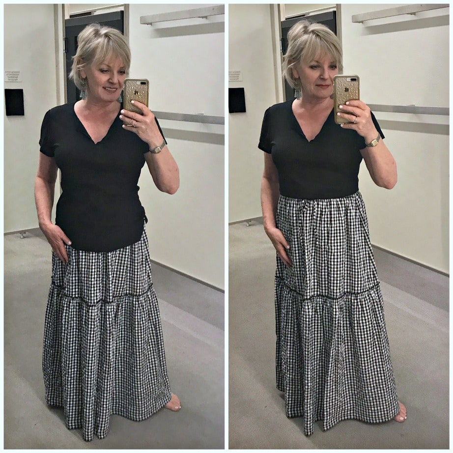 Jennifer Connolly of A Well Styled Life modeling Sanctuary Uptown Tiered Hem Linen Tee from Nordstrom