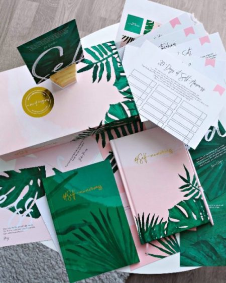 20 Wellbeing Gifts for under 20! Perfect for Stocking fillers or Secret Santa! Give the gift of wellness this holiday season - awelltravelledbeauty.com