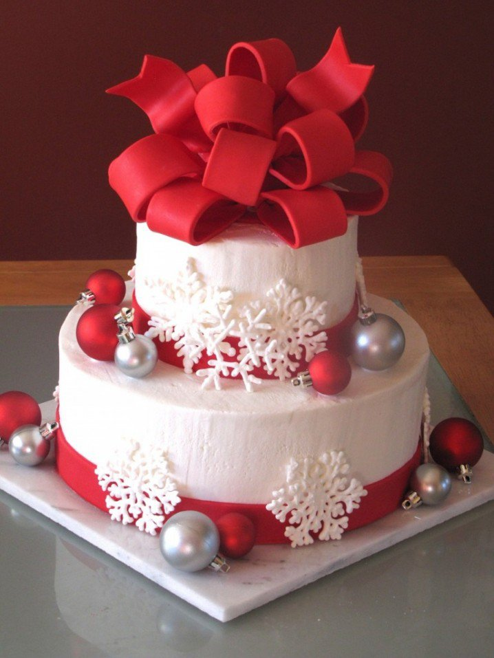 11 Awesome And Easy Christmas cake decorating ideas  Awesome 11
